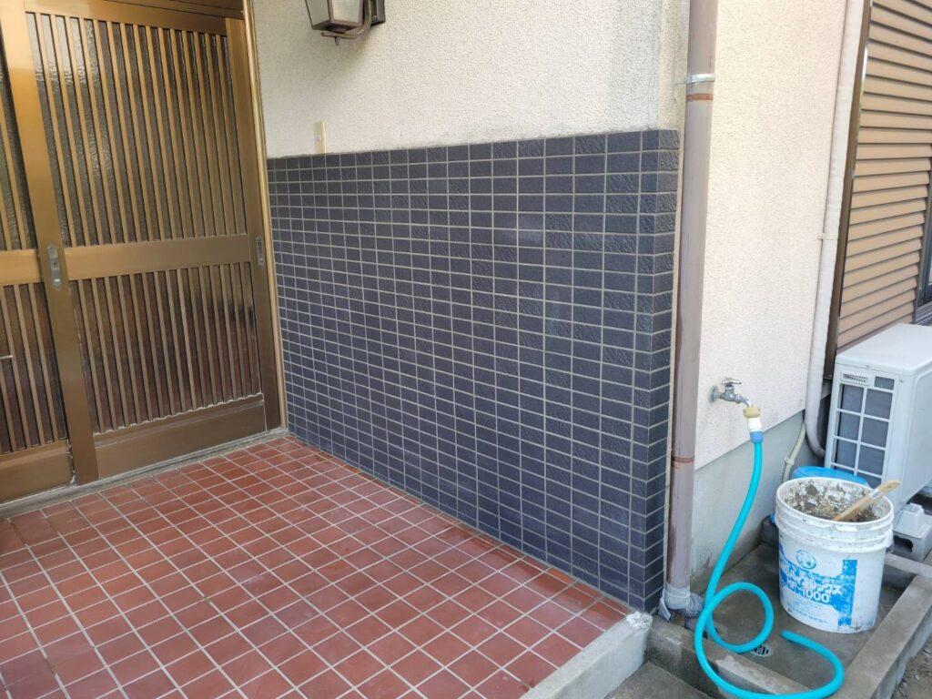 直方市 Y様邸 玄関ポーチタイル貼替え工事 を行ってまいりました!